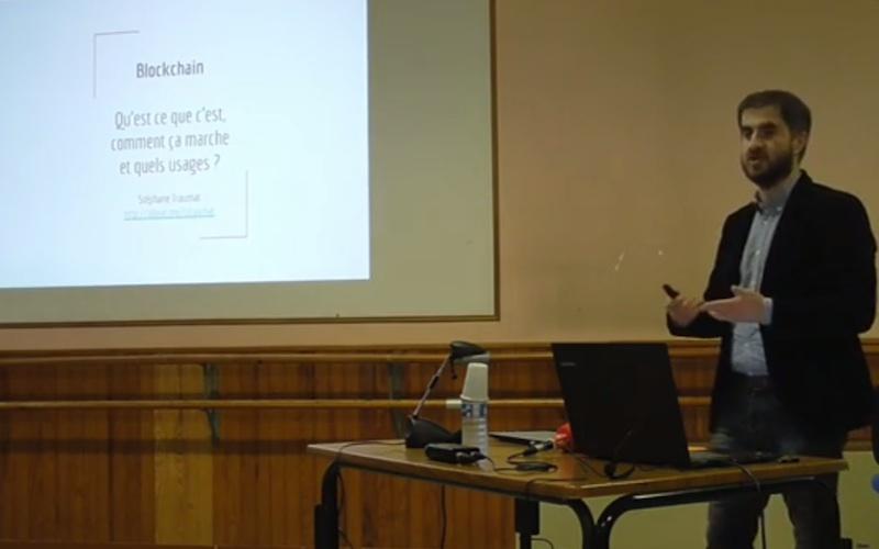 Stéphane Traumat, patron de Scub en conférence à l'université populaire de Ruelle sur le thème de la Blockchain