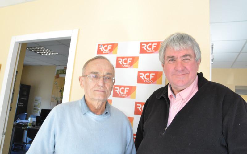 Dominique Souchaud, maire de Saint-Sulpice-de-Cognac dans l'ouest Charente et Jean-Claude Rambaud, adjoint à Dignac