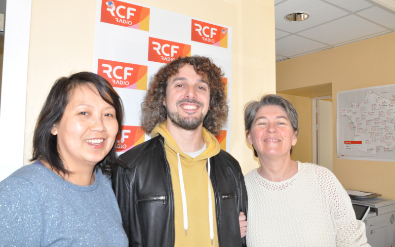 Phanmaly Rajsavong ambassadrice de l'association Poivre MLC, Claire Mario-Durand et Julien Birot