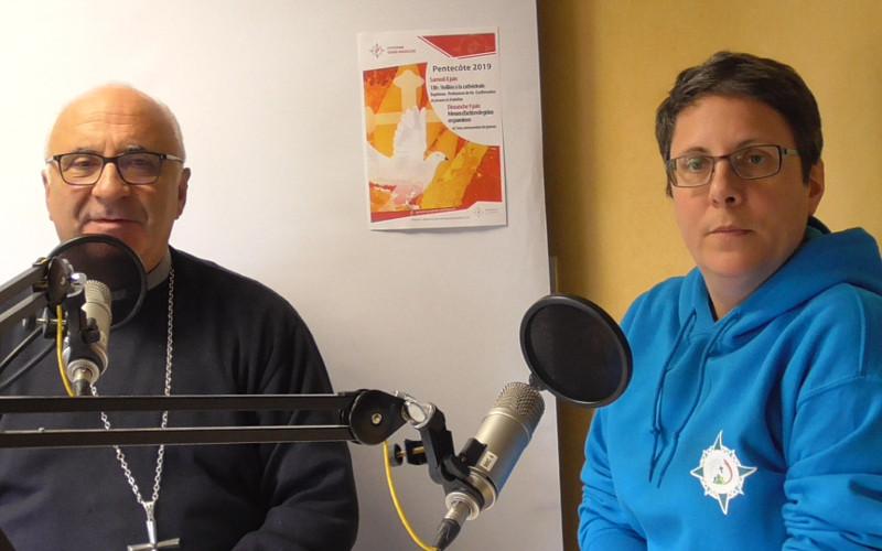 Monseigneur Hervé Gosselin et Yolande Lallemand, responsable des aumôneries de l'enseignement public